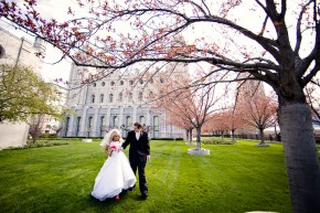 utah wedding photographer shoots wedding at lds salt lake temple