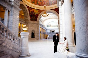 utah wedding photographer shooting bridals in the utah state capitol building