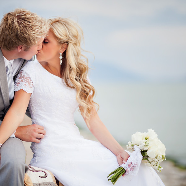 Utah Bridal Photos with a horse and on the Lake