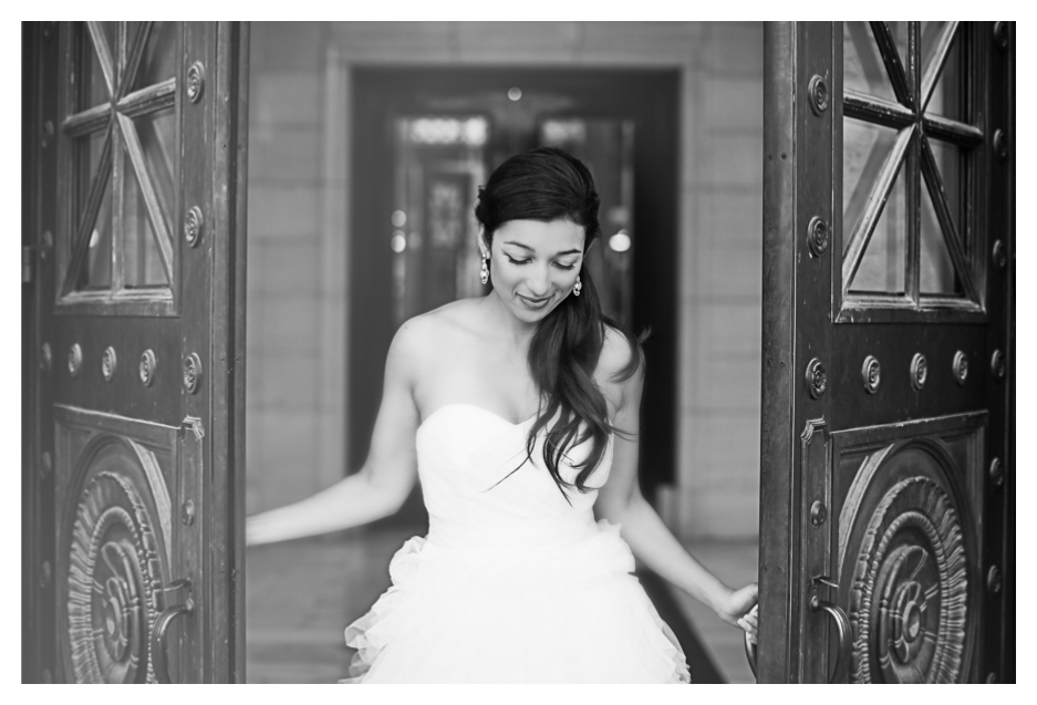whimsical photos taken at utah state captiol by utah wedding photographer
