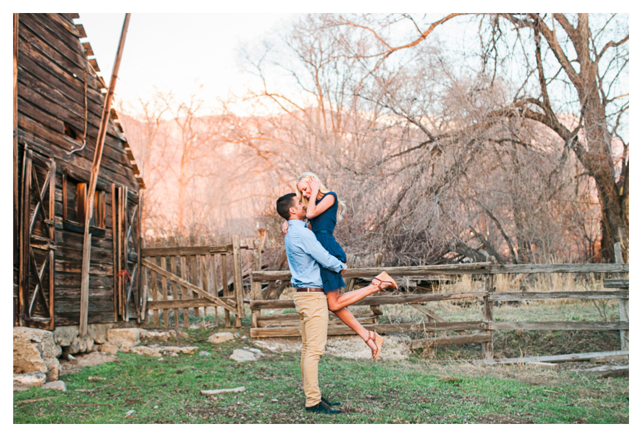 Utah wedding photographer takes utah engagement photos