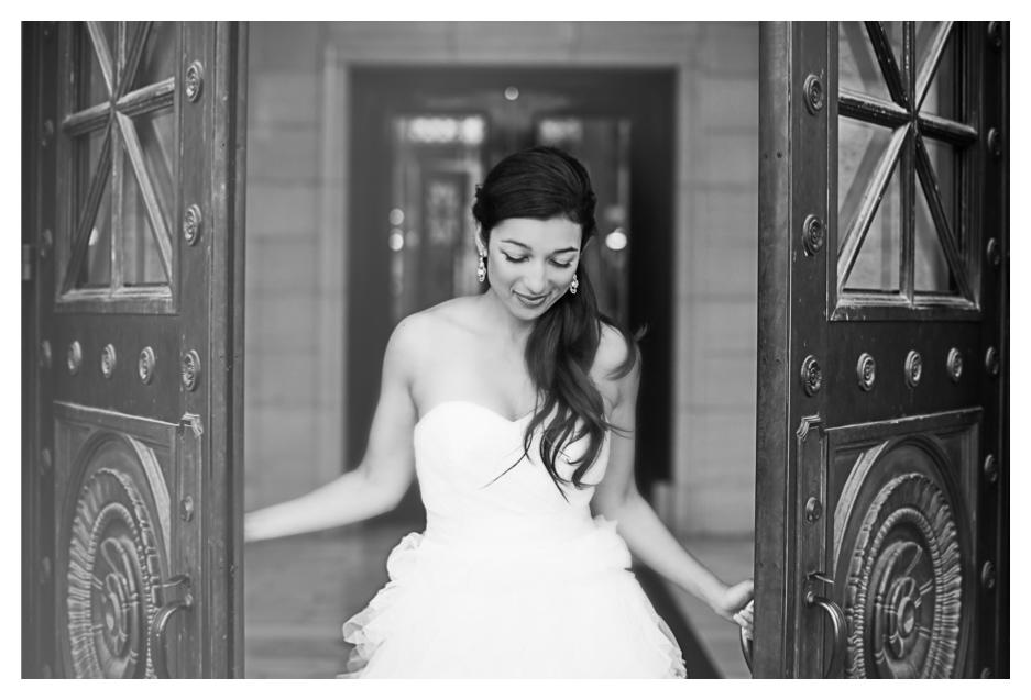 whimsical photos taken at utah state captiol by utah wedding photographer
